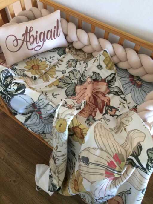 Vintage Floral Cot Set